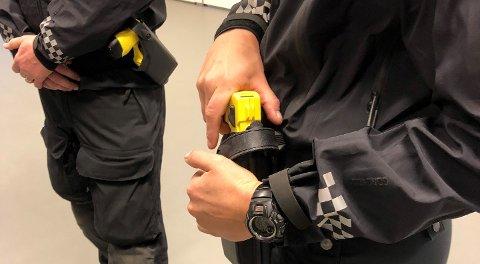 I løpet av første kvartal av prøveprosjektets andre år er elektrosjokkvåpen blitt avfyrt 16 ganger, og det er truet med å bruke det 12 ganger.