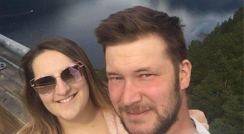 Lucia Škvarková (29) og Martin Vojtas (30) stortrives på Skedsmokorset. Her er de på tur på Vestlandet.