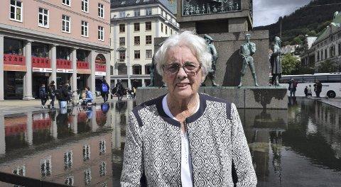 STÅR PÅ KRAVENE: Inger Johanne Knudsen (86) har vært på Storbykonferanse for eldrerådene i Norges ni største byer. – Vi krever blant annet at alle partier skal nominere en person over 65 år blant de fire toppkandidatene, sier hun.FOTO: KATHERINE FERGUSON