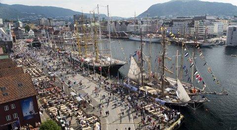 I 2014 viste Bergen seg frem fra sin beste side i solrike dager under Tall Ships Races. 21.–24. juli 2019 seiler en rekke storslåtte seilskuter inn i Bergen havn når byen for femte gang er en av vertskapsbyene.