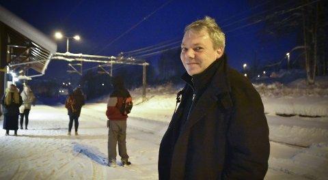 Pendler: Halvard Henriksen tar toget fra Darbu grytidlig tirsdag morgen.