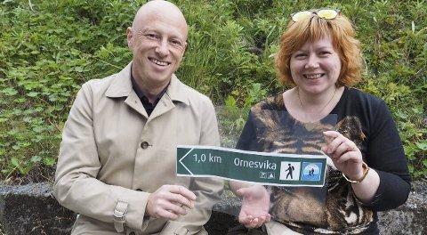 I alles hage: Ordfører Tore Nysæter (H) og Venstres ordførerkandidat Gro Klingenberg inviterer Narviks befolkning til overnatting i Ornesvika.