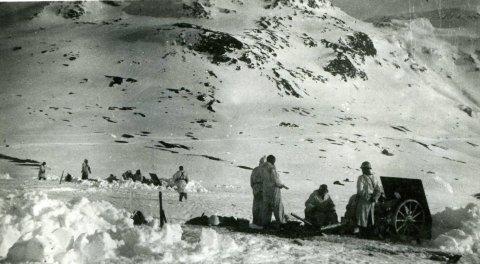 Kjempet: Av de mer enn 5.000 norske soldatene som kjempet og bidro til å kaste de tyske okkupantene ut av Narvik 28. mai 1940, er det bare en som er dekorert med krigskorset. Det var øverstkommanderende, general Carl Gustav Fleischer. Han fikk sin utmerkelse etter sin død. Foto: Narviksenteret
