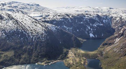 Verdier flere steder: I dagens Tysfjord kommune er det mange kilder til å finansiere en stiftelse. I Sørfjord og på Sørfjordfjellet er det både operative kraftverk, og en vindmøllepark under bygging som begge vil gi avkastning. Foto: Nordkraft