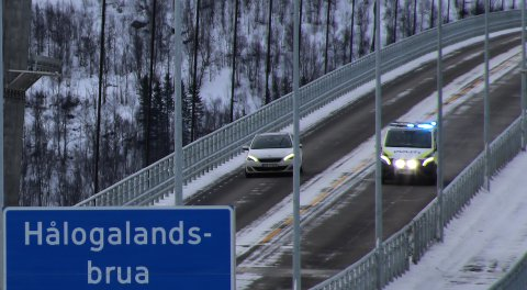 Utrykning-kritikk: Politiet har fått kritikk for flere forhold under to utrykninger over Hålogalandsbrua tirsdag.