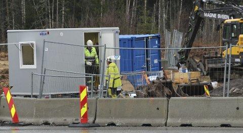 – SKAL IKKE SKJE: – Slikt skal ikke skje, men det kan skje, dessverre, sa Anne Torill Sveen i Magne Sveen AS etter ulykken på Grua som heldigvis bare resulterte i materielle skader.