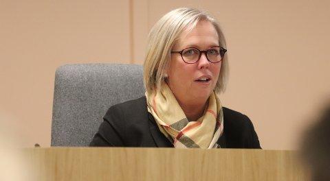 Engasjert for lokale arbeidsplasser: Ordfører Elin Gran Weggesrud har invitert politikere til møte i Holmestrand på mandag om den spente situasjonen rundt Hydro. Foto: Pål Nordby