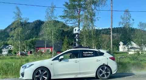KARTLA GRENLAND: Tirsdag ettermiddag ble Apple-bilen med kamera på taket observert i Grenland. Selskapet varslet tidligere i år at de skal granske Norge for å forbedre Apple Maps.