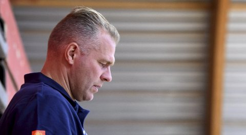 TIL ENGLAND: Miners-trener Lars Gunnar Sønsteby og laget hans spiller treningskamper mot Leicester i helgen.