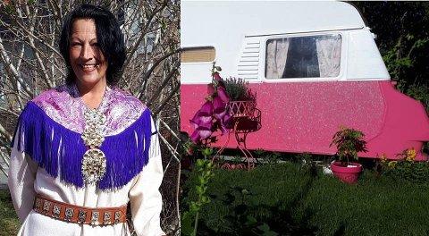 I Lones rosa campingvogn har det etter hvert bodd mange gjester. Sånt blir det gode historier av.