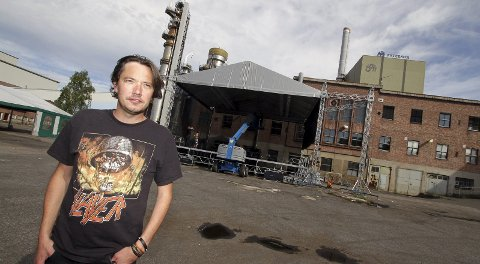 FORNØYD: Tony Fjærgård er fornøyd med de gode norske navnene han har sikret seg til årets utgave av Festivalen Sin 25. og 26. august.