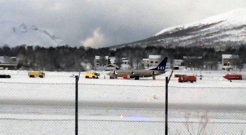 BLE EVAKUERT: Passasjerene måtte evakuere gjennom nødutgangene etter at det oppsto røykutvikling i flyet.