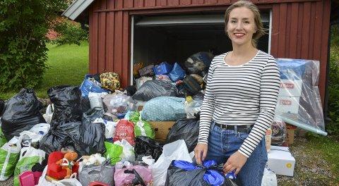 Garasjen full: Over hundre har vært innom Oda Mikkelsen Vålstuen (18) med klær og utstyr til flyktningene på Haslemoen. Begge foto: Cathrine Loraas Møystad