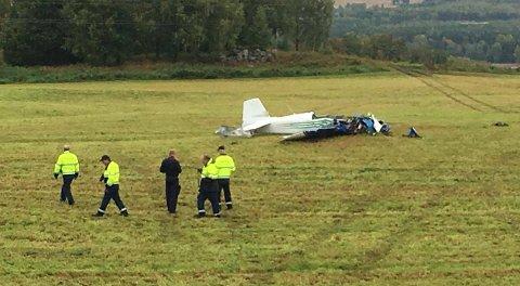 PÅ PLASS: Statens Havarikommisjon var onsdag morgen på plass ved ulykkesstedet i Furnes.
