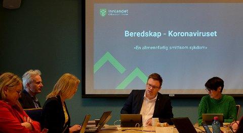 KORONA PÅ DAGSORDENEN: Koronaviruset sto på dagsordenen i fylkesutvalget tirsdag.