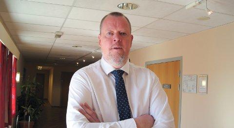 FORSVARER: Advokat Tollef Skobba forsvarte 44-åringen som sto tiltalt for angrepet på mannen i Hovenga i fjor høst. Han ble dømt til fengsel i 120 dager.