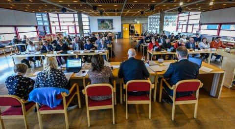 - Jeg blir neppe hørt på det, men jeg mener det riktige nå er at kommunene holder et temamøte om den kommunale helse- og omsorgstjenestens skjebne de kommende årene, skriver Gustav Arne Nyborg.