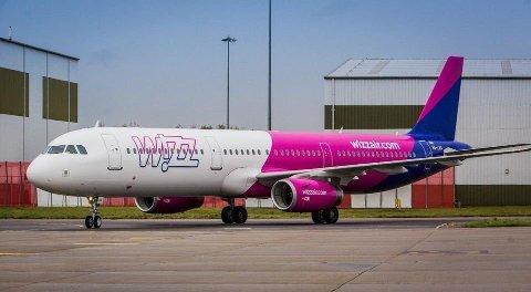 TIL GDANSK: Wizz Air er selskapet som flyr ruten Bodø - Gdansk, i utgangspunktet to ganger i uken. Nå kan det hende at de må stanse ruten midlertidig om Regjeringen regner Polen som et land det er uforsvarlig å reise til.