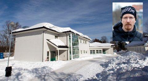 Rektor Håvar Mangset ved Hovin skole forteller at de allerede har satt inn en rekke tiltak før resultater fra elevundersøkelsen ble offentliggjort. Han svært alvorlig på tallene som kommer frem i undersøkelsen.