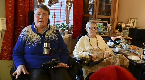 Frustrerte: Else Marie Knutsen og Bjørg Norheim er begge avhengig av hjelp, og nå har kommunen varslet opphør av BPA-tjenesten deres.