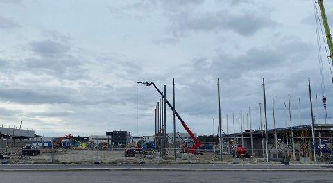 Den byggeklare tomten ved siden av Sven Kvia i Moseidveien skal bli til byggevarehandel for Maxbo.