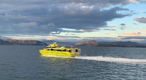 SEKS NYE ÅR: «Rygermedic» heiter den nye ambulanse- og legevaktbåten i Ryfylke. Den skal gå i fjordane dei neste seks åra.