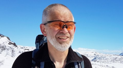 Nasjonalparkforvalter Carl S. Bjurstedt opplyser at nasjonalparkstyret ikke har adgang til å tillate transport av felt villrein med motorbåt på Reinsvatnet. Det er det kun Miljødirektoratet som kan tillate. Foto: Ester Aalbu Eriksen