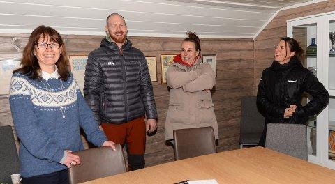 Marianne Kindsbækken (fra venstre), Sigurd Nylund, Inger Karin Mulvik og Trude Liavåg sitter i styret til IL Triumf. De håper mange måter opp på årsmøte i klubben andre uka i mars.