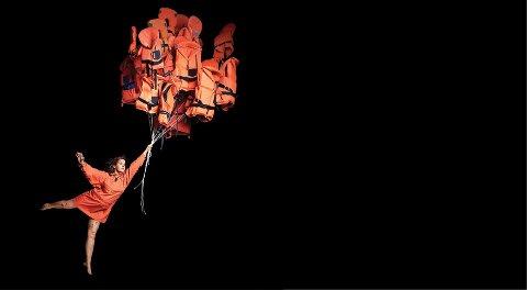 OM BÅTFLYKTNINGER: Cirkus Cirkörs forestilling «Limits» har en alvorlig story i bunnen.