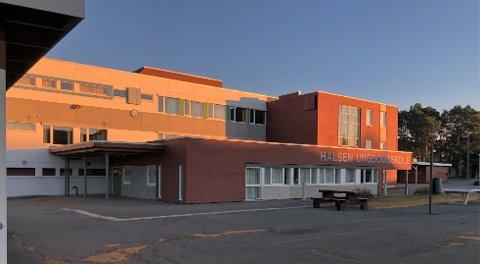 SJEFSBYTTE: Det skal tilsettes ny rektor ved Halsen ungdomsskole, som er Stjørdals nest største ungdomsskole. Tre kvinner og to menn har søkt på jobben.
