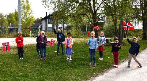 Elever på Fjellstrand skole feiret litt ekstra 15. mai.