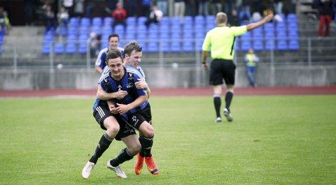 POTENSIALET: Florø Fotball har i kraft av kvalitet på bana kravd sin plass i norsk toppfotball. Klarer dei opprykket i år er det i praksis halvanna opprykk. Arkivfoto