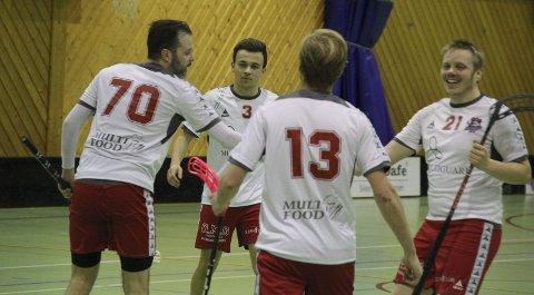 SEIER: FIBK kunne juble for seier borte mot Harstad lørdag. Foto: Henrik M. Simensen