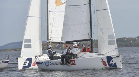 I NORGESTOPPEN: Åsgårdstrand Seilforening har et av landets beste J/70-lag. Bildet er hentet fra fjorårets Mesternes mester i Åsgårdstrand. Jostein Grødem er rormann.