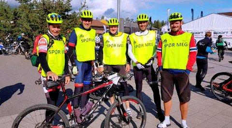 Blide sykkelverter under Birkebeinerrittet 2018. På bildet (fra venstre): Pål Kristian Frenning, Sigbjørn Modalsli, Eivind Bjøralt, Svein Ove Husnes og Marius Lunde Thorstad.