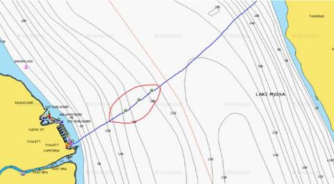 FARLIG FARLED: I dette området utgjør rester fra en luftledning fare for fritidsbåter.
