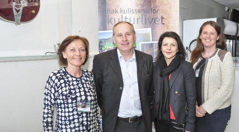 MESTER OG ELEVER: Turistsjef Liv Lindskog (til v.) var glad for å ha en av verdens ledende på området, Paul Gudgin, til å lede Mesterklassen. Det var også Bente K. Jæger fra Visit Østfold og Inger Midttun fra Halden Turist.