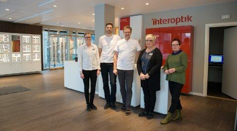 BEST IGJEN: Solveig Arnegard, Marius Ottestad, Magne Ottestad, Vigdis Tangen og Sidsel Skogsrud har blitt best i sin egen kjede to år på rad.