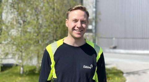 RETT I JOBB: Truls Wedvik Larssen var lærling i halvannet år hos Eidsiva og da det ble ledige stillinger ble han oppfordret til å søke. Nå er han i full jobb som driftsoperatør på Trehørningen og er veldig fornøyd med oppfølgingen han fikk som lærling. FOTO: PRIVAT