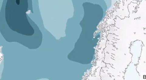 Kartet fra Meteorologisk institutt viser at det blir bølger på syv meter, som følge av lavtrykksaktivitet.