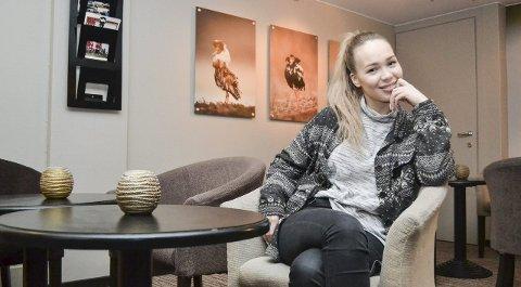 LADER OPP: Melodi Grand Prix-aktuelle Agnete Johnsen (21) lader denne uka opp til showet i Oslo Spektrum lørdag. Nesseby-væringen er stappfull av selvtillit.