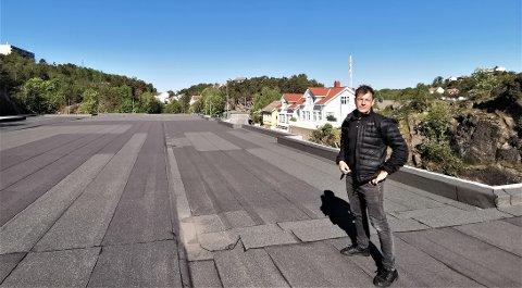 Kent Andersen fra Sørmegleren i Kragerø har stor tro på Risørtakets salgbarhet og ser frem til at leilighetene kan bli lagt ut for salg.