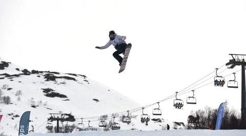 NYTT NM. GULL: Silje Norendal i aksjon i lørdagens NM i slopestyle i regn og vind på Hovden.alle foto: ole john Hostvedt