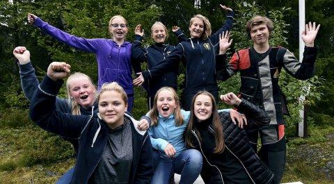FINALEKLARE: Glade fiskumskyttere jubler etter å ha sikret seg finaleplassen i østlandscupenfoto: OLE JOHN HOSTVEDT