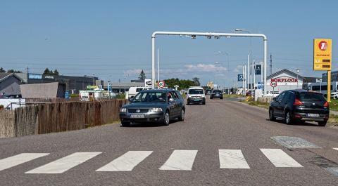 AVSLØRER: Bladet Motor dokumenterer hvor enkelt det å jukse i norske bomstasjoner.