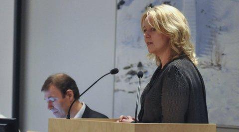 KRITISK: Gruppeleder Anne Bjertnæs i Gjøvik Høyre mener kommunestyrerepresentanter bør avstå fra å sitte i styret i aksjeselskaper.Arkivbilde