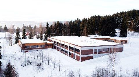 Ingen vil foreløpig kommentere om det er flere budgivere enn Gjøvik kommune på Statsbyggs 53 mål store eiendom på Øverby.