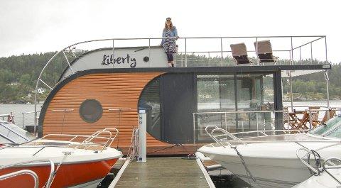 PÅ SOLDEKKET: Nina Andresen drømmer om mange, lange dager der soldekket på Liberty blir familiens faste samlingssted.
