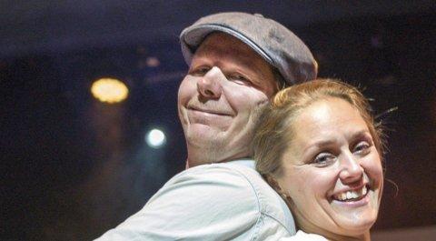 KolLeger og venner: Marianne Mørks teaterskole feirer 25 år denne høsten. Nanna Hellerud og Espen Branden har vært med helt fra starten, han som skuespiller og hun som danser og koreograf.begge foto: ole kjeldsberg endresen