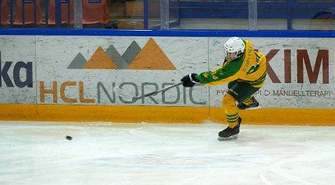 Eskild Sjøvold er en av to Langhus-gutter på vårt yngste landslag i ishockey. Lagkamerat i Manglerud/Star, Kyrre Rytterager Hellerud er den andre.